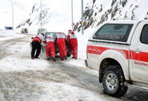 امدادرسانی به ۵۲ مسافر گرفتار شده در برف اسالم به خلخال