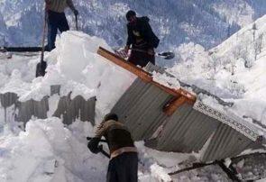 تخریب یک واحد مسکونی بر اثر بارش سنگین برف در کوچصفهان