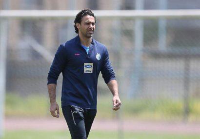 فرهاد مجیدی: بازیکن فوتبال در هیچ کجای دنیا در استادیوم خانگی اش از ماموران امنیت ورزشگاه کتک نمی خورد