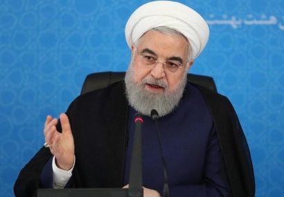 روحانی: ترامپ خبیث روی کار نمی آمد تولید نفت ما از منابع مشترک نفتی به یک میلیون بشکه می رسید!